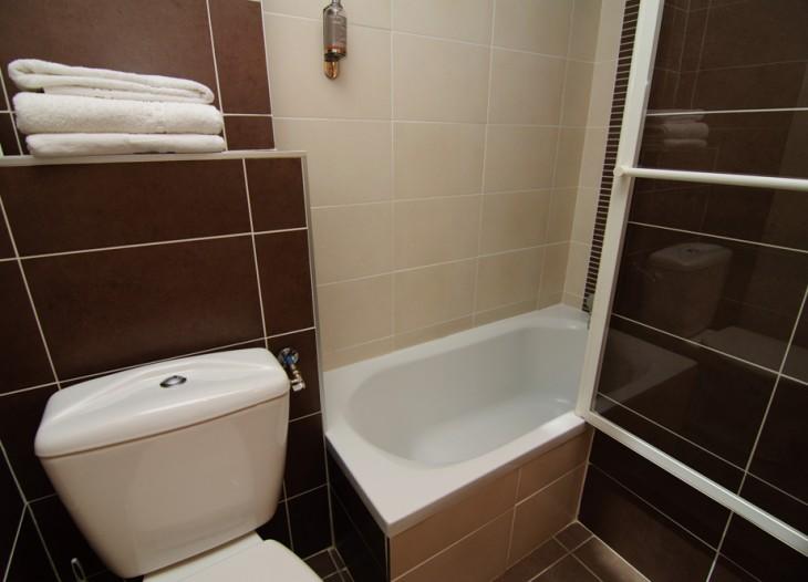 sdb chambre hotel lyon bron 3
